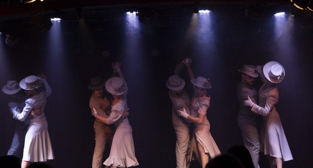 Rojo Tango - Couples Dancing (HA Web)